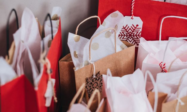 Holiday Budgeting: How To Jingle All The Way Into The New Year!